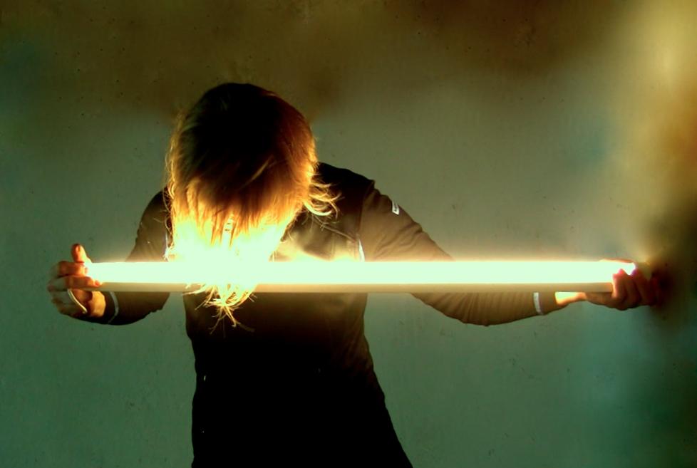 LIGHT 2 - Tanz mit einer Lichtquelle