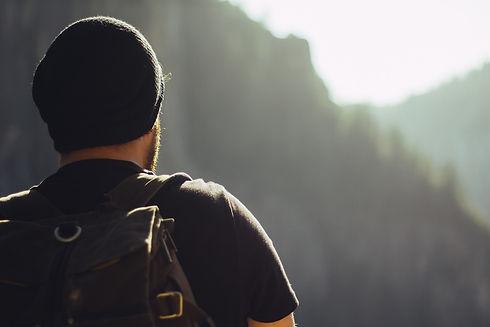 hiking-1031383_1280.jpg