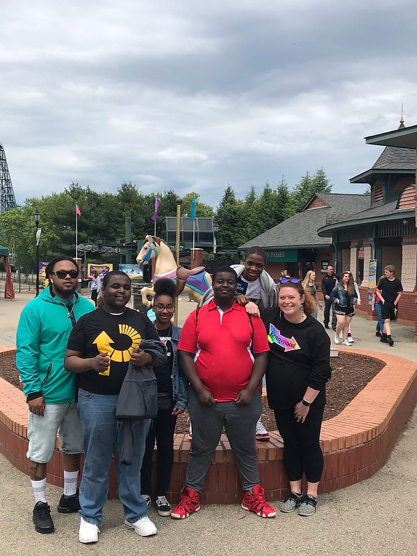 5-21-19 8th Grade Kennywood Trip (3).jpg