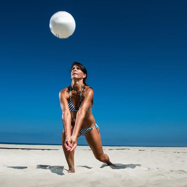 วอลเลย์บอลชายหาดเล่น