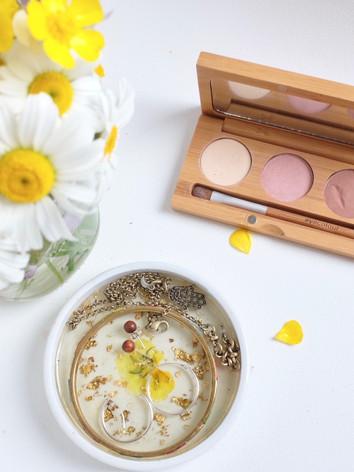 LWPop; Bamboo Makeup Pallette