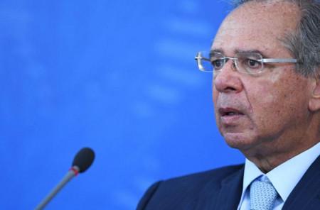 Ministro da Economia de Bolsonaro defende redução do valor do auxílio de R$ 600