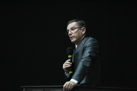 """Com """"casa cheia"""", Seminário debate atuação jurídica dos sindicatos"""