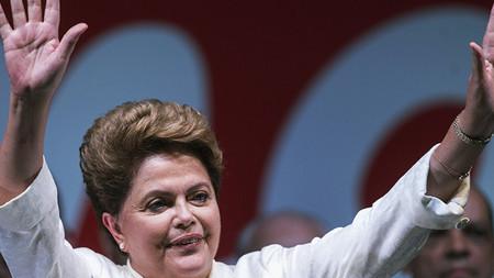 'O golpe é tomar a árvore da democracia e infestá-la de parasitas', afirma Dilma