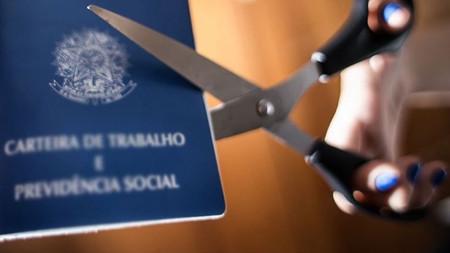 Lei Trabalhista de Temer só gerou emprego precário, sem carteira, sem direitos