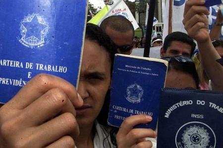 Proposta de Emenda à Constituição prevê carga horária de 10 horas diárias