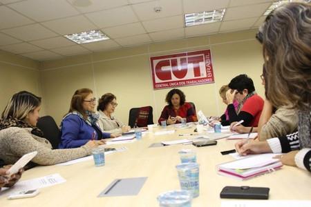 Trabalhadoras estão unidas em defesa dos direitos da mulher