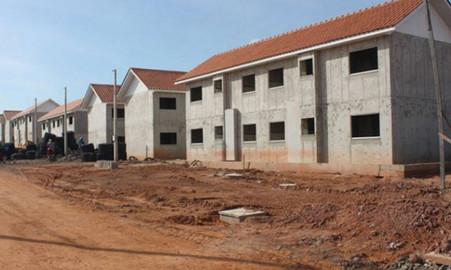 """Construtoras do """"Minha Casa, Minha Vida"""" ameaçam paralisar obras e demitir 50 mil, caso governo não"""