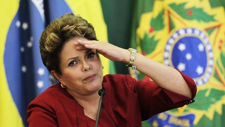 Dilma diz que fará reforma política e retomará direitos se voltar ao governo
