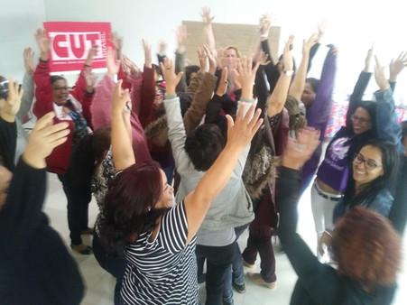 Mulheres do vestuário dialogam sobre desigualdade e violência de gênero nos locais de trabalho