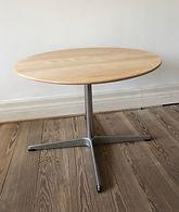 Arne jacobsen sofabord i bøg:stål.jpeg