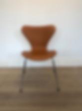 Arne_Jacobsen_7'er_stol_cognac_farvet_lÃ