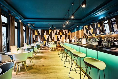 restaurant café des capucins bar tapas italian food