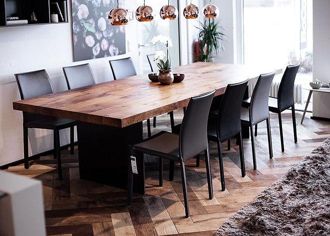 Altholz Tisch Boden.jpg