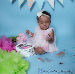 Nyomi Cake smash-6133.jpg