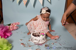 Nyomi Cake smash-6139.jpg