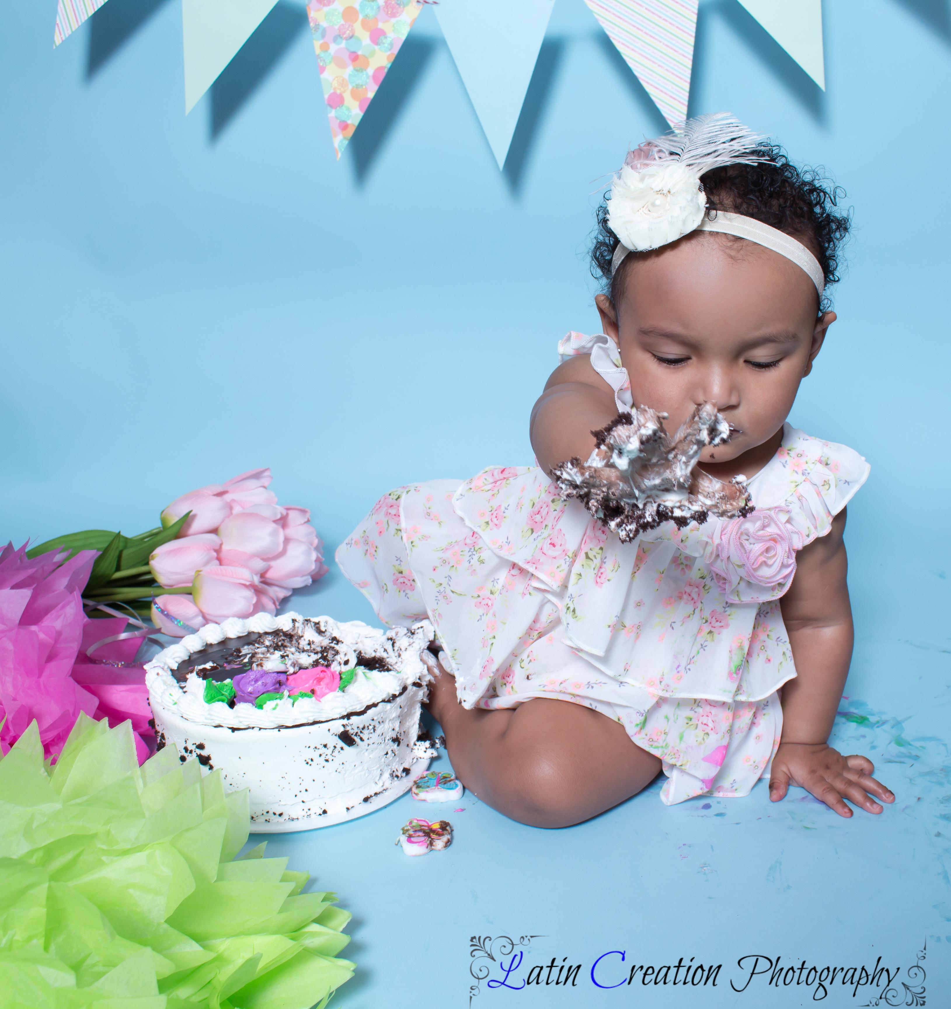 Nyomi Cake smash-6121.jpg