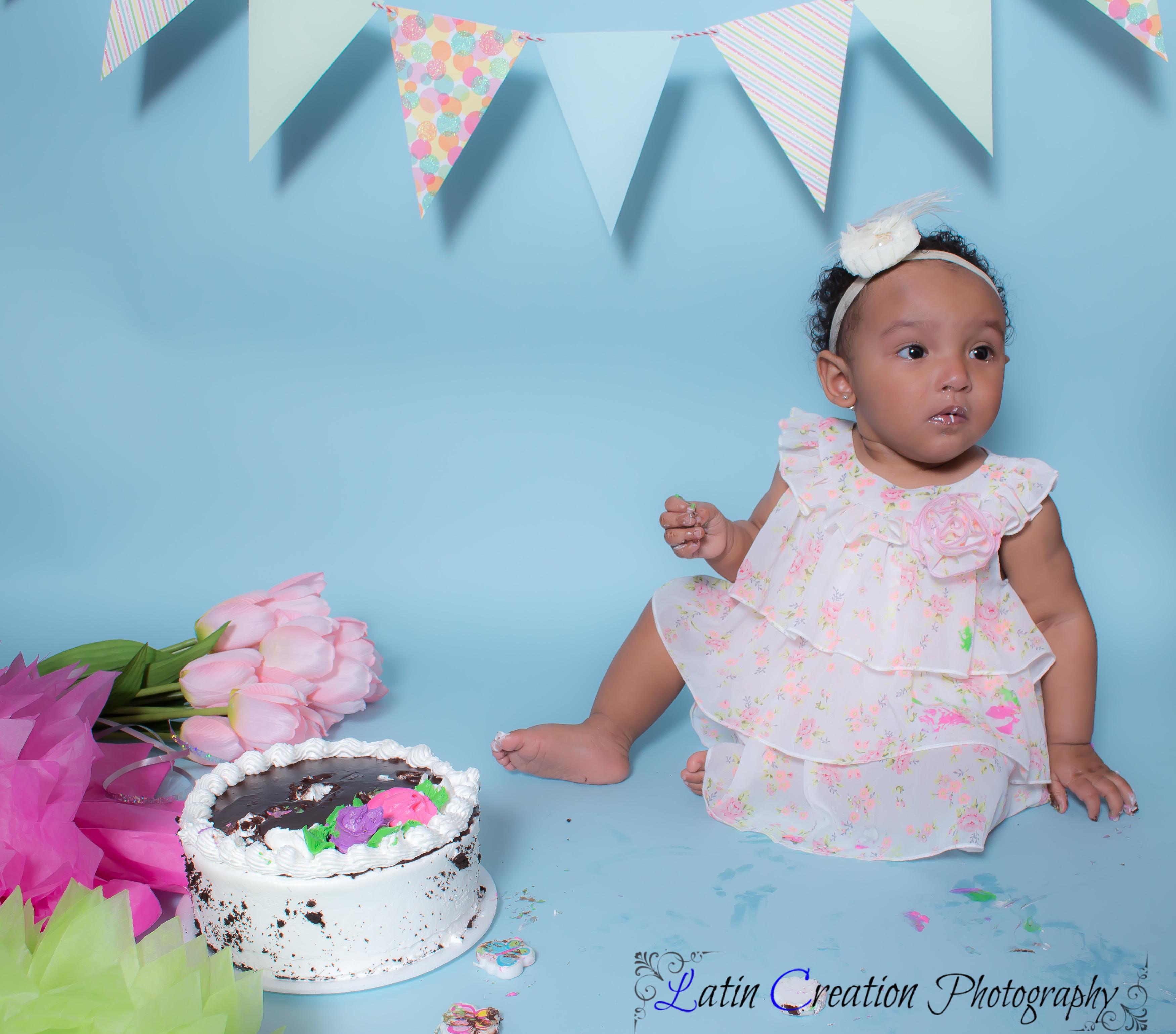 Nyomi Cake smash-6107.jpg