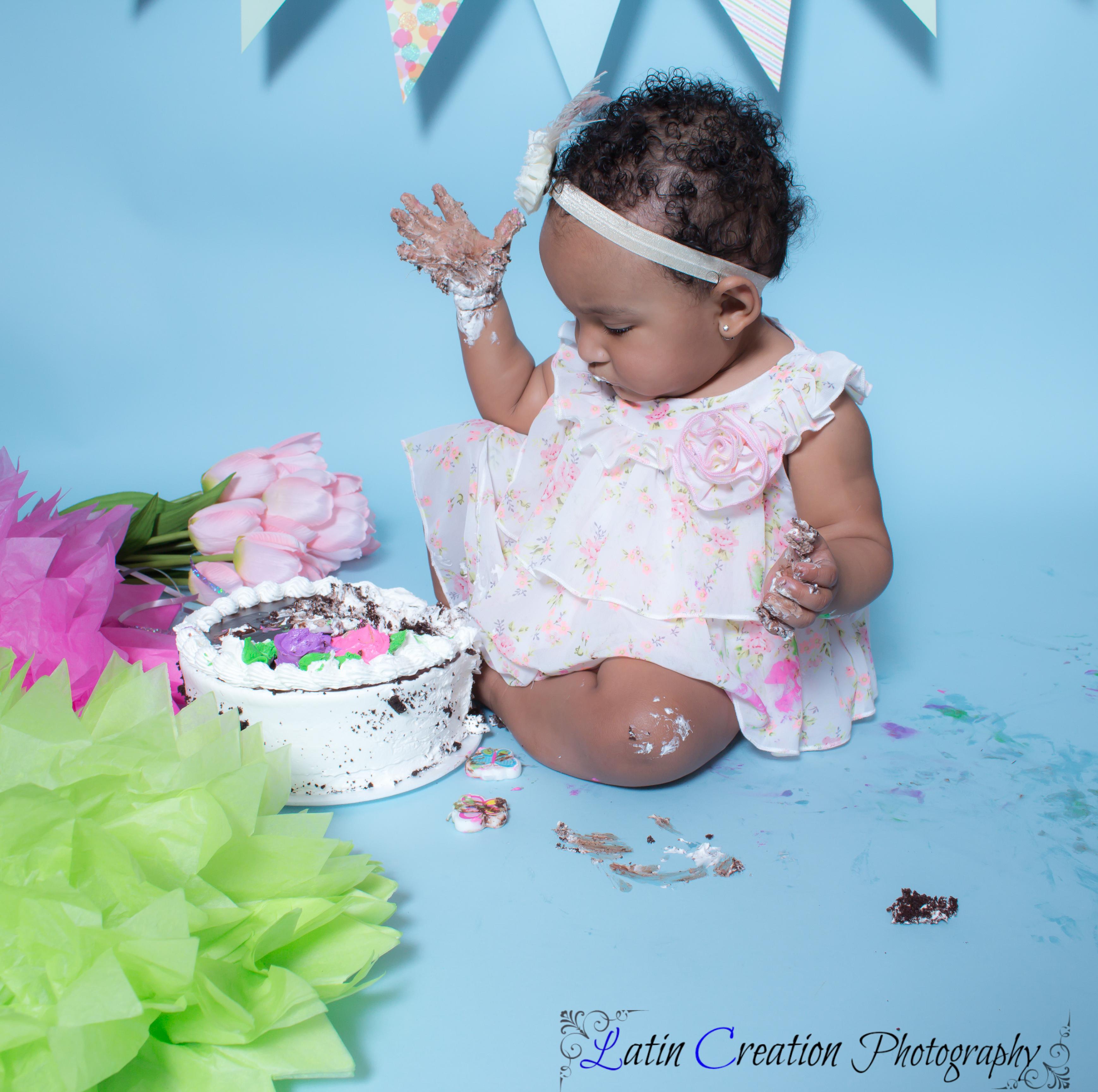 Nyomi Cake smash-6127.jpg