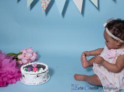 Nyomi Cake smash-6077.jpg