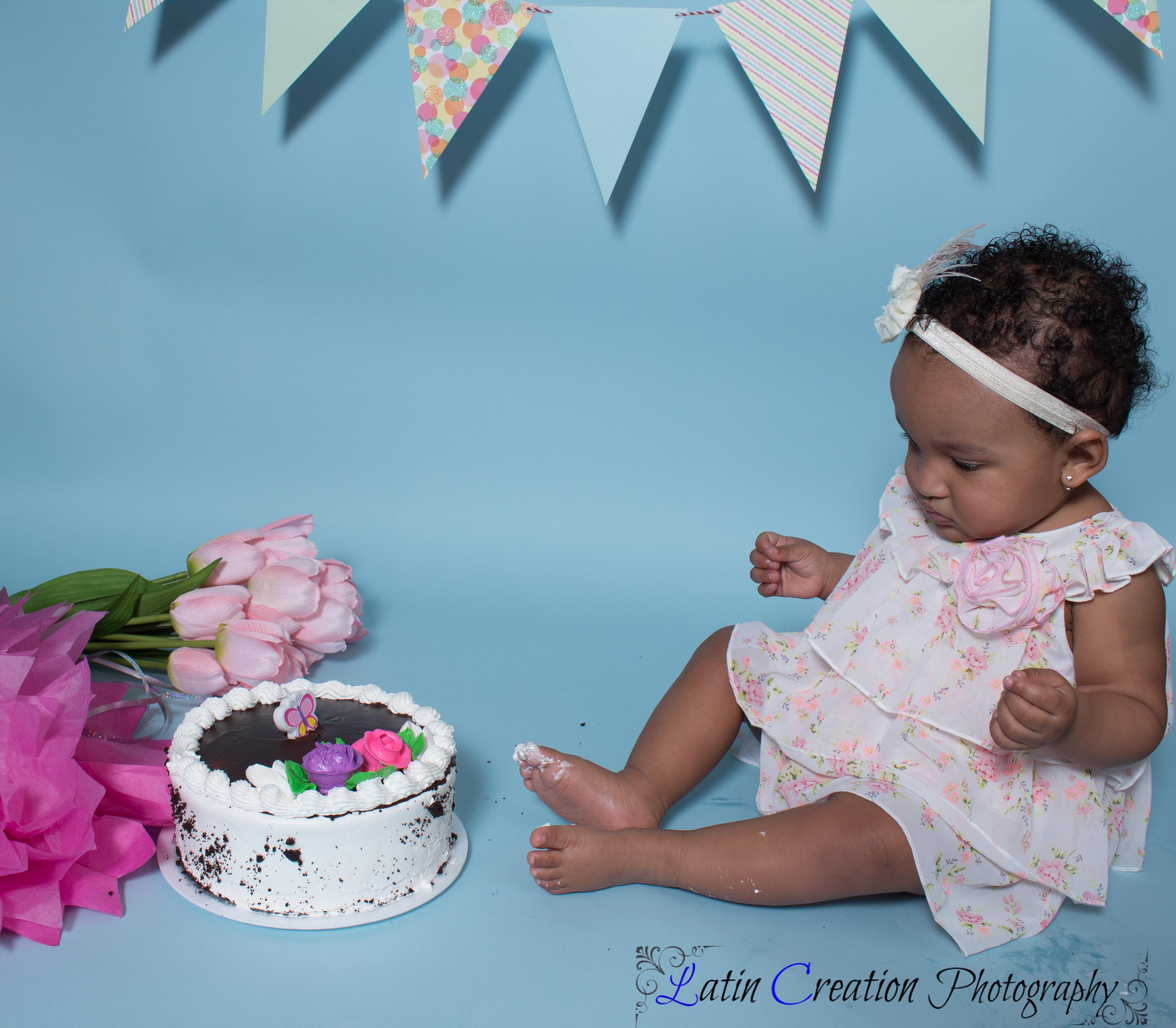 Nyomi Cake smash-6079.jpg