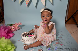 Nyomi Cake smash-6184.jpg
