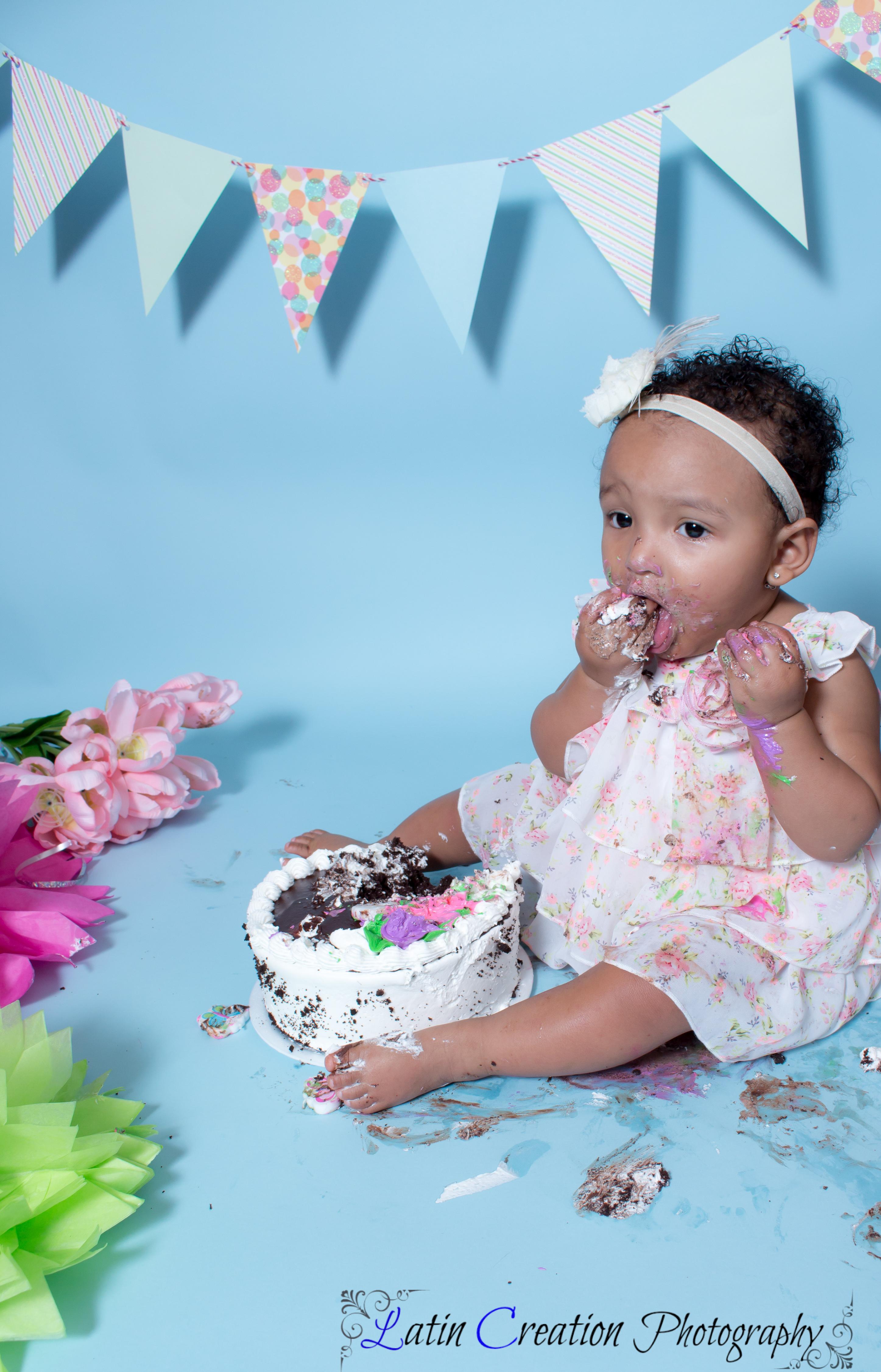 Nyomi Cake smash-6166.jpg