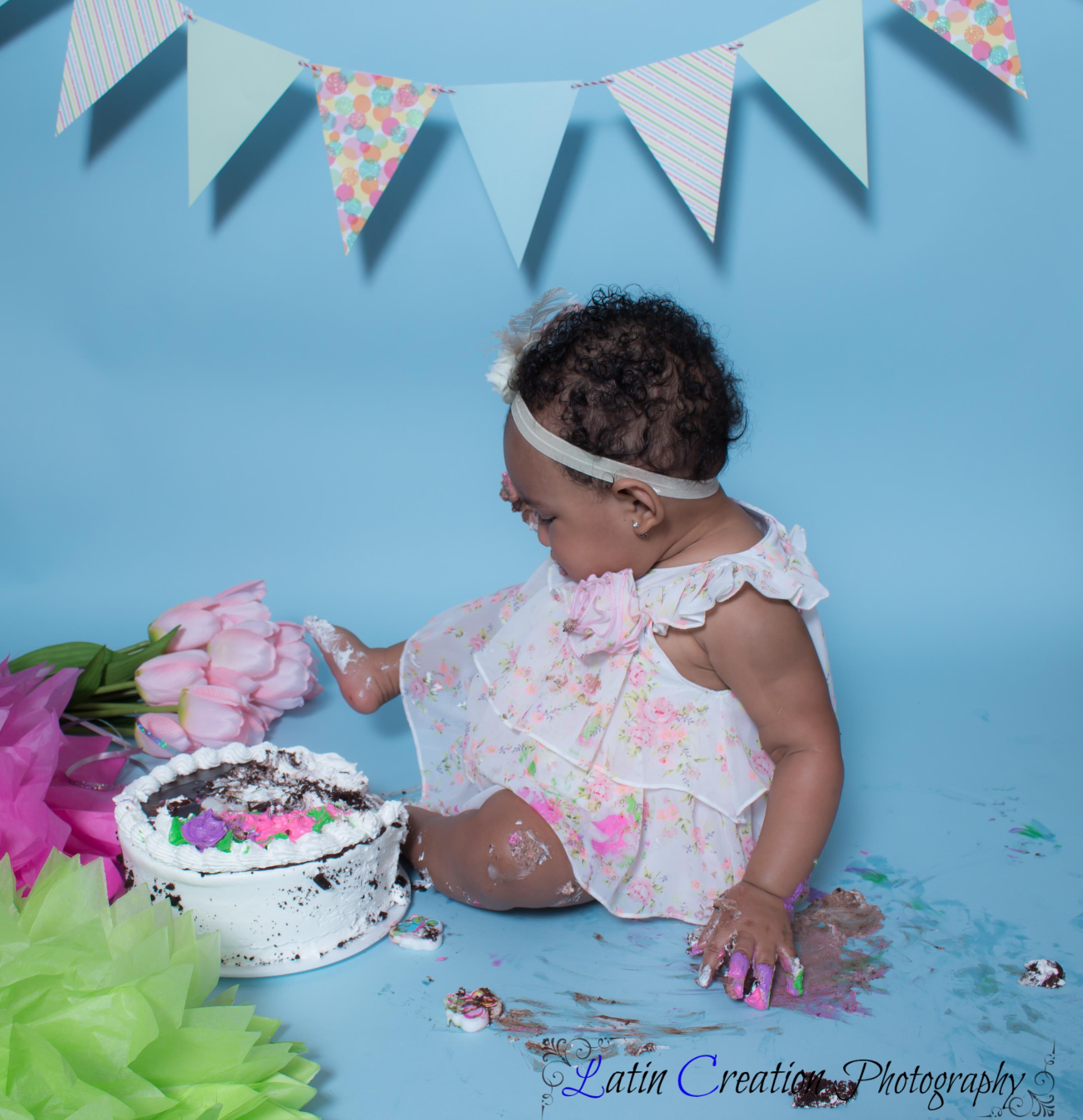 Nyomi Cake smash-6134.jpg