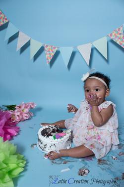 Nyomi Cake smash-6162.jpg