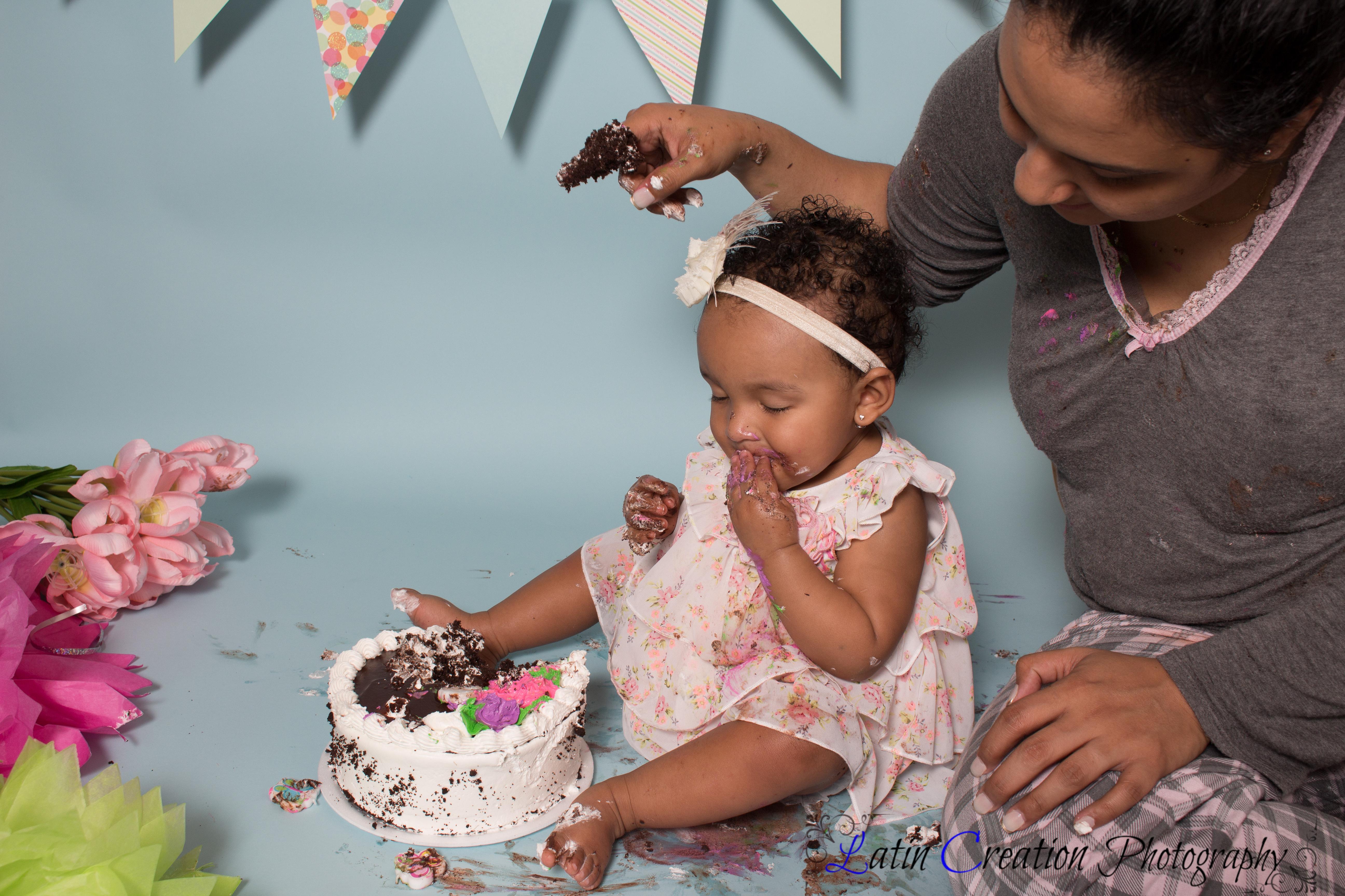 Nyomi Cake smash-6141.jpg