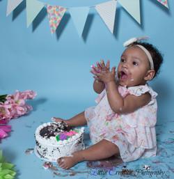 Nyomi Cake smash-6150.jpg
