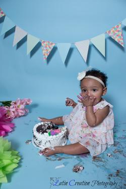 Nyomi Cake smash-6161.jpg