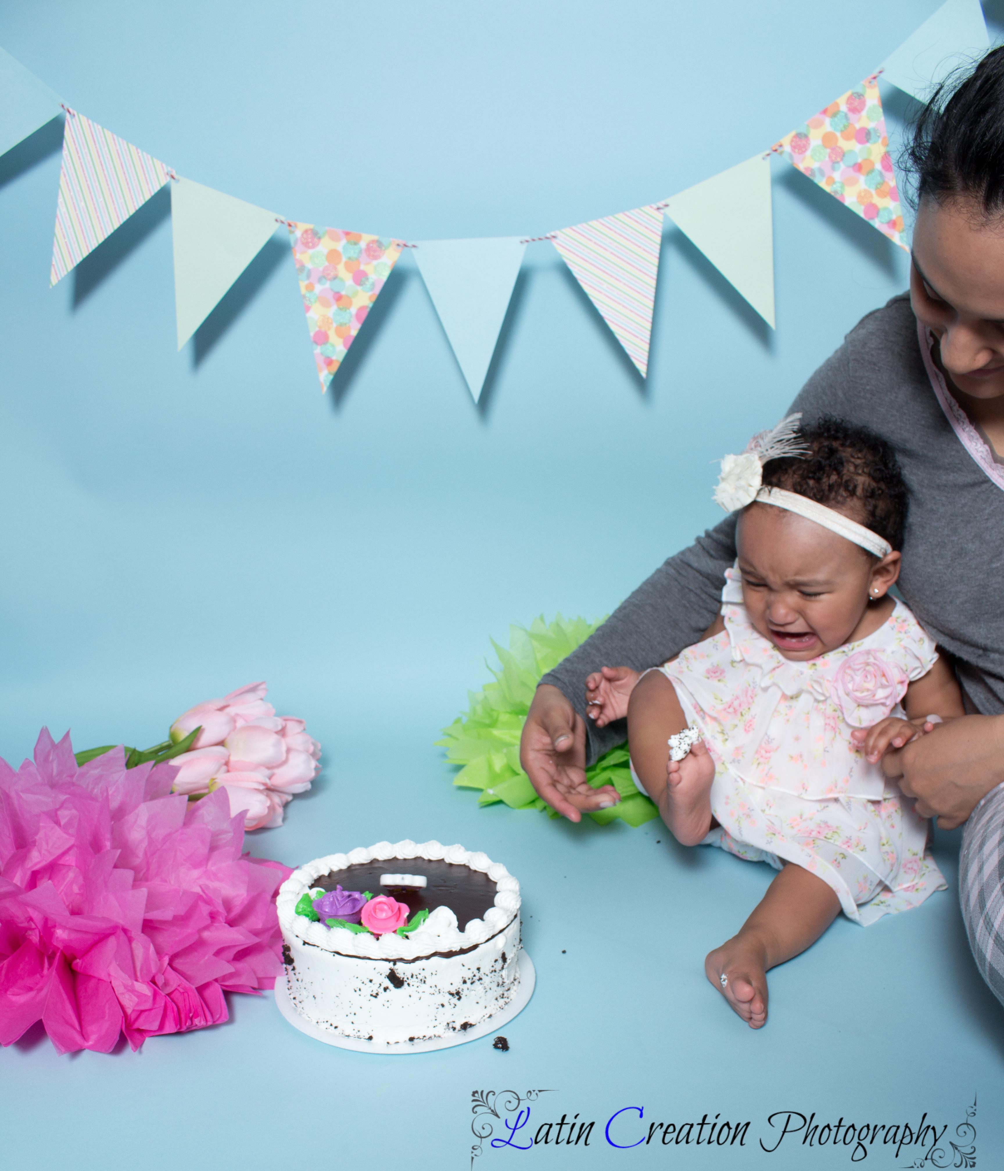 Nyomi Cake smash-6075.jpg