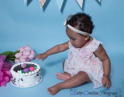 Nyomi Cake smash-6089.jpg