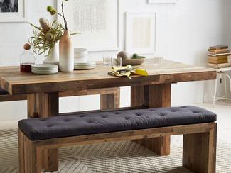 สร้างบรรยากาศเวลาแห่งครอบครัว ด้วยโต๊ะอาหารไม้