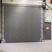 The fire-resistant sectional door is a reliable and highly effective door with a fire resistance of EI1 90 minutes.