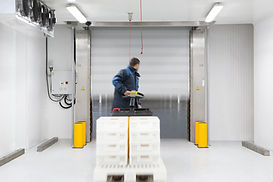 The first single door solution for deep freeze applications
