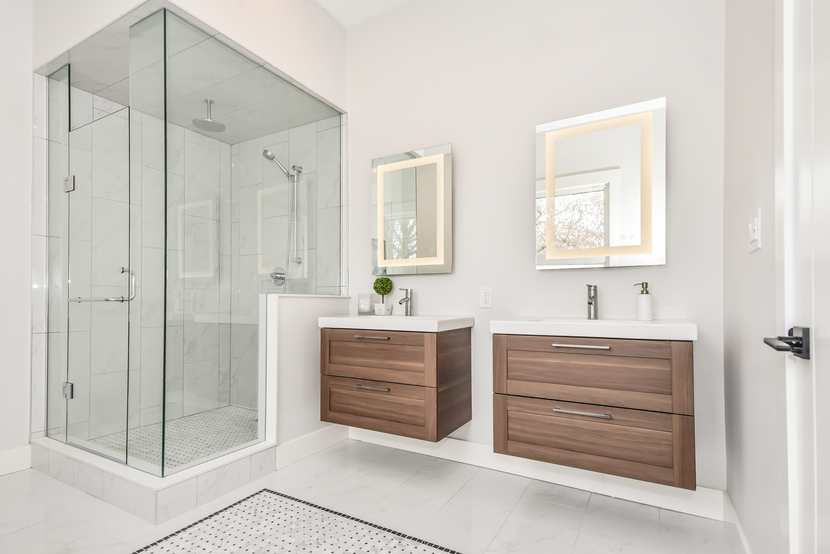 Master Bathroom Staging