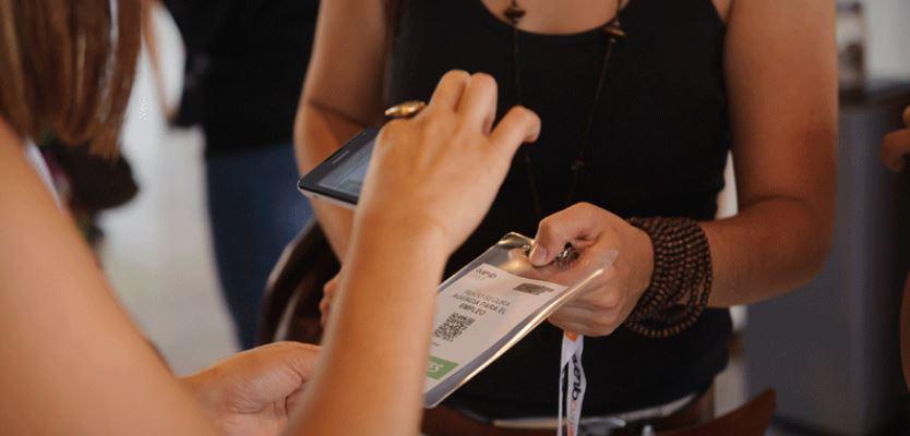 Sistema de acreditación por móvil