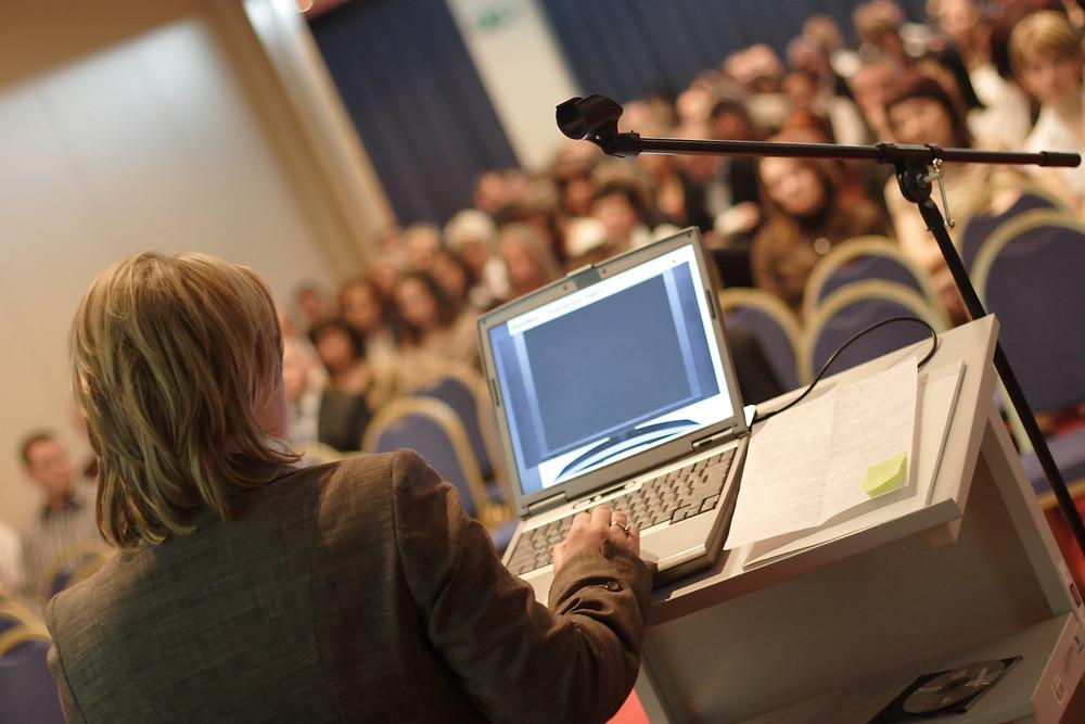 Comunicaciones orales en un congreso científico