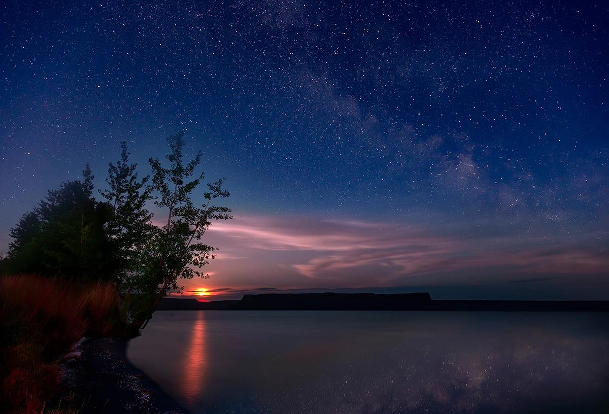 Moon Rise Over Banks Lake
