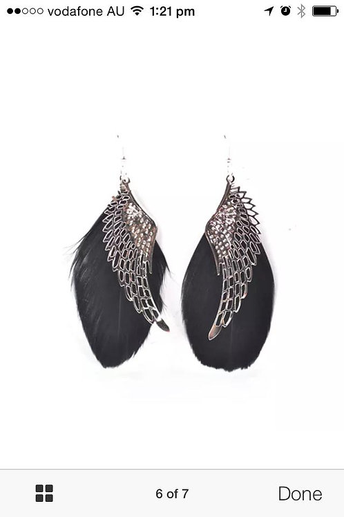 Feather hanging earrings