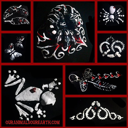 Gothic keyrings and magnets