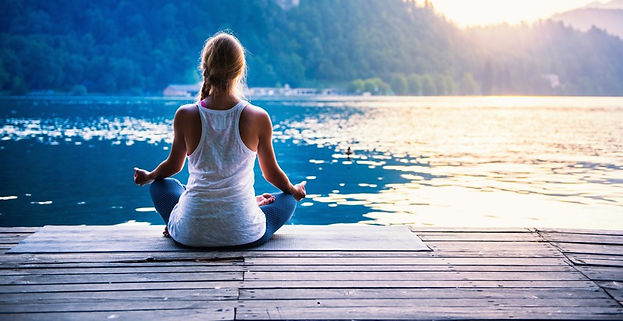 yoga_d%C3%A9tente_lac_800x534_edited.jpg