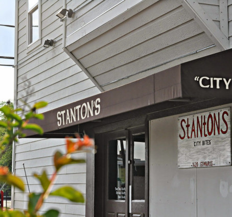 5 Tablespoons Of : Restaurant Review: Stanton's City Bites.