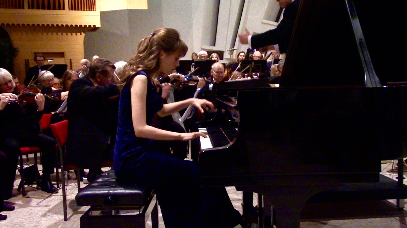 Playing Rachmaninov Concerto