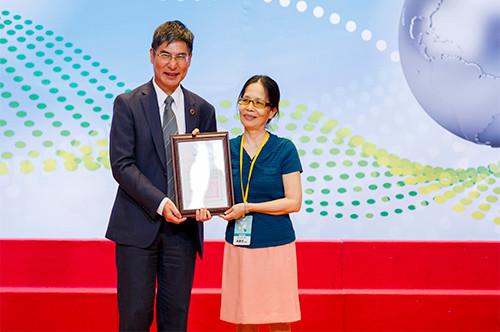 化學系吳春桂教授榮獲科技部106年度「傑出研究獎」。照片科技部提供