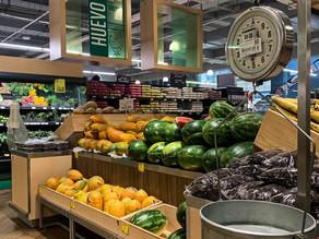 Inflación en México cerraría 2021 al doble de la meta oficial pese al alza de tasa: analistas.