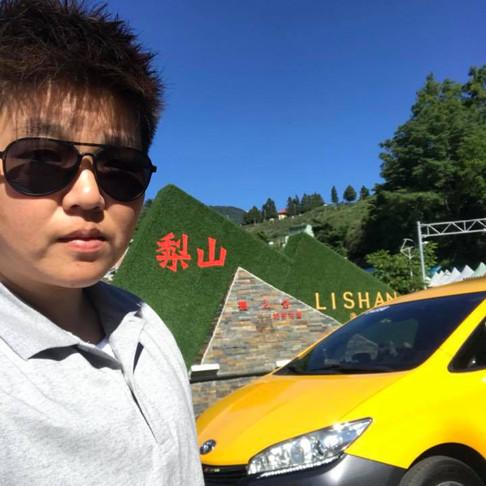 最愛載客人遊遍全台灣的小朱