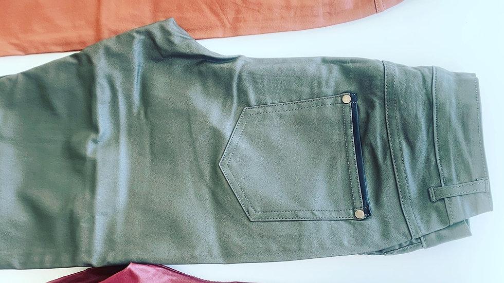 Pantalones Cuerina